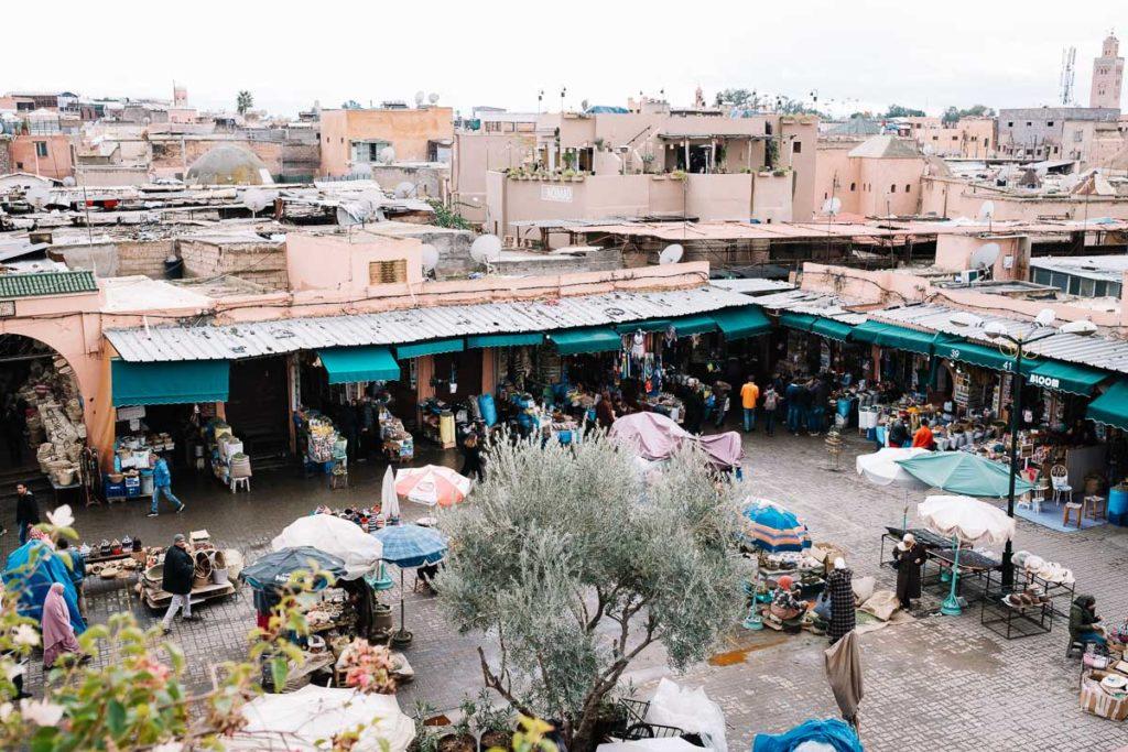 Blick auf Djemaa el Fna in Marrakesch.