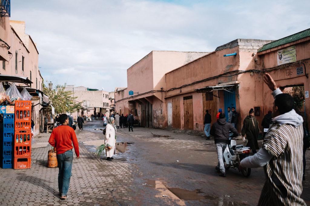 Auf dem Weg zur Ledergerberei in Marrakesch.