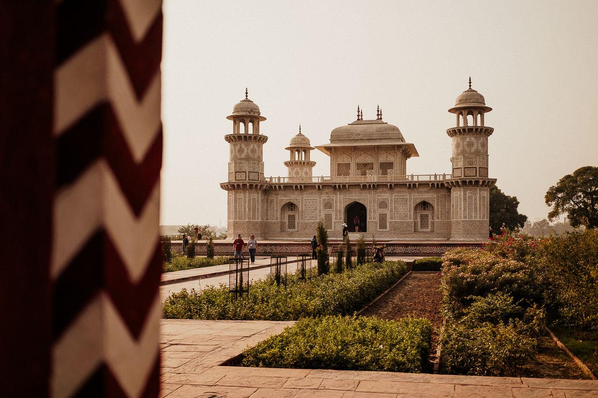 Agra: Itimad-ud-Daula-Mausoleum (Baby Taj ...