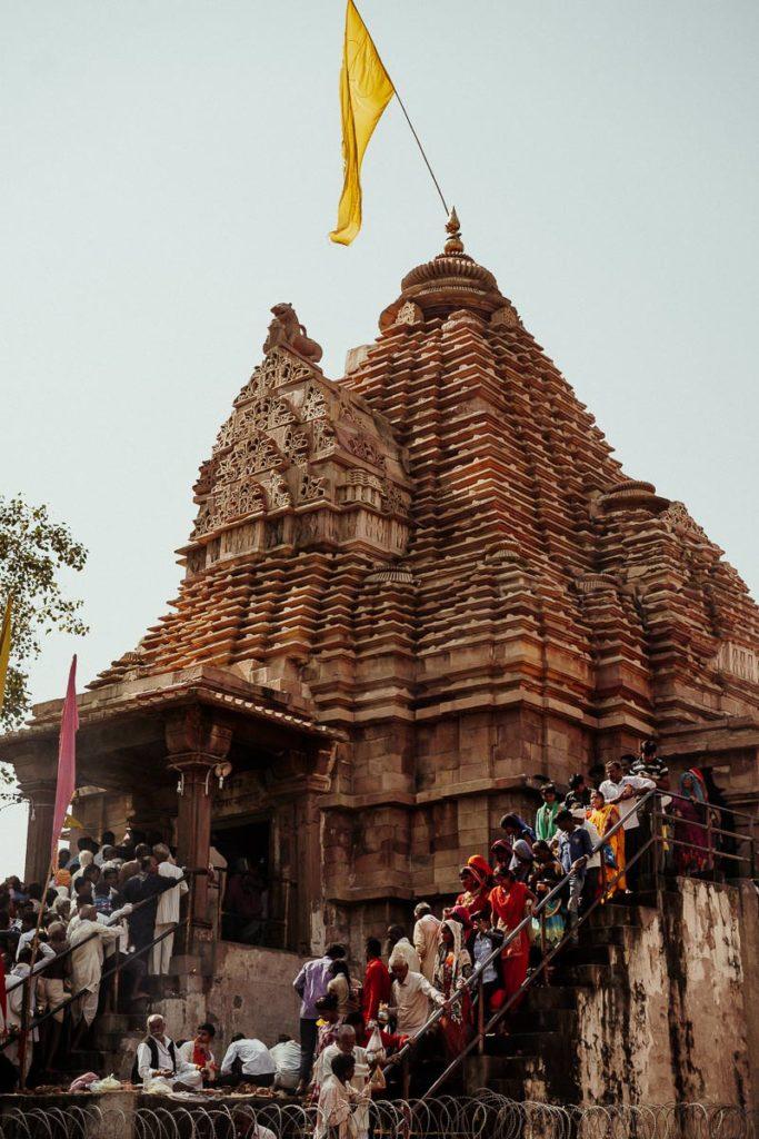 Diwali in Khajruaho: Tempelbesuch der Einheimischen