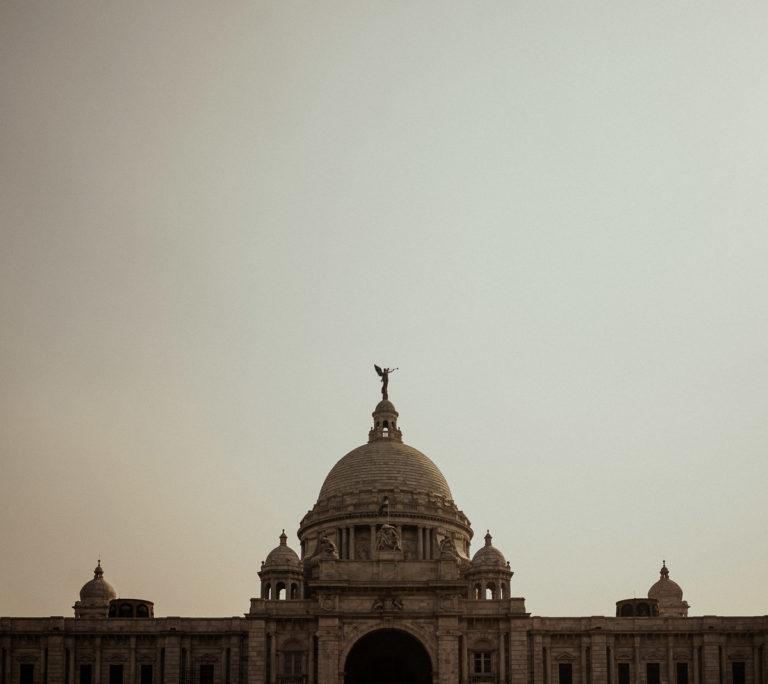 Sightseeing in Kolkata: Victoria Monument.