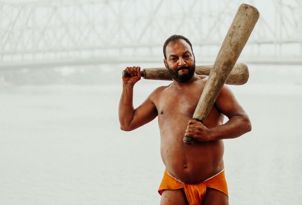 Wrestling Guru Jwala Tiwali trainiert für das Kushti, dem traditionellen Ringkampf in Kolkata.