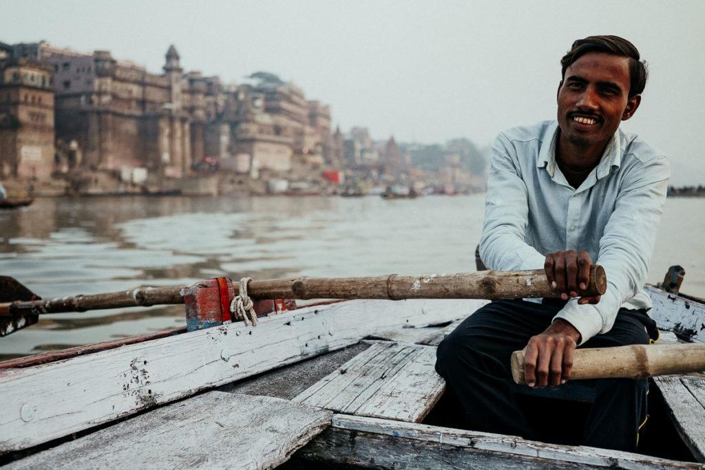 Bootstour auf dem Ganges in Varanasi. Vom Wasser aus hatten wir einen tollen Blick auf die Ghats in Varanasi und die morgendlichen Rituale der Hindus.
