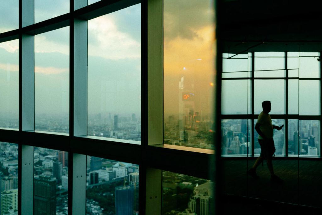 Fenster im Baiyoke Tower 2 in Bangkok