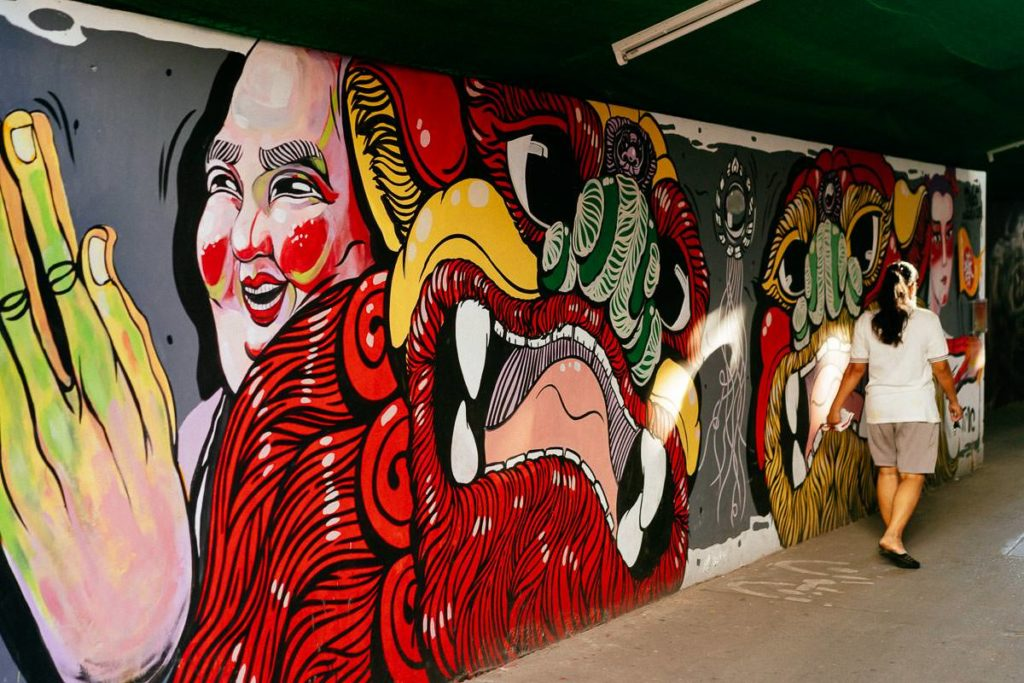 Wandmalerei in Talat Noi, Bangkok. Eine hippe Künstlerszene macht sich in dem Viertel breit.